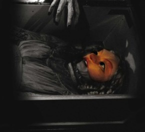 Dracula-3-Lucy-og-haand-4a-web